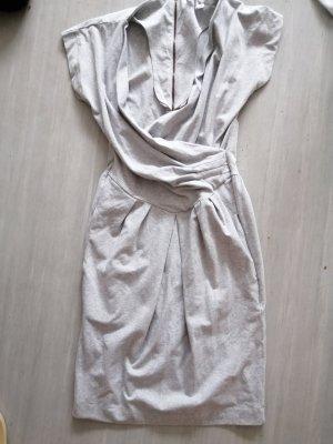 Hellgraues Kleid von französischer Marke 3Suisses.