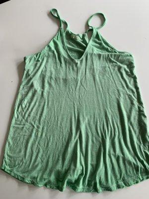 Hellgrünes Top