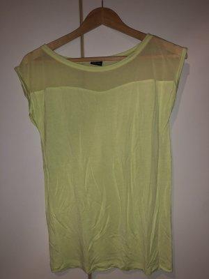 Hellgrünes Tshirt mit Mashstoff