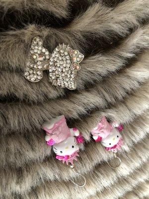 Hello Kitty Ohrringe Freiheitsstatue und Brosche