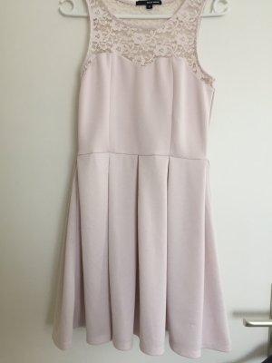 Hellrosanes Kleid