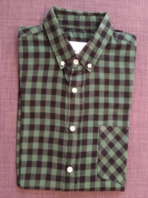 Camisa de manga corta negro-verde