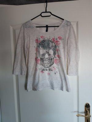 Hemd mit Totenkopf
