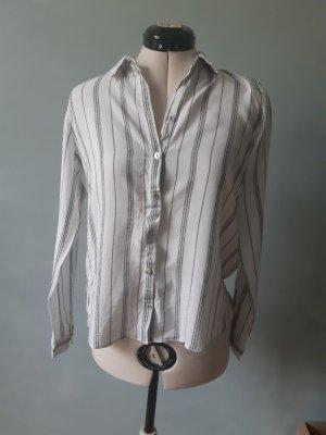 Hemd mit vertikalen Streifen