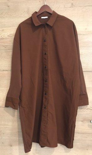 COS Koszulowa sukienka brązowy-cognac