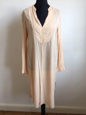 Hemdblusenkleid von Zara.