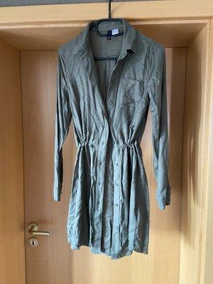 H&M Abito blusa camicia grigio-verde Tessuto misto