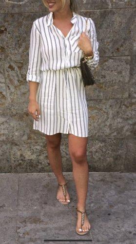 Koszulowa sukienka biały-ciemnoniebieski