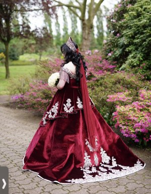 Suknia ślubna biały-bordo