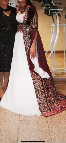 Vestido de novia burdeos