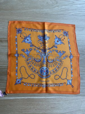 Hermès Écharpe en soie orange