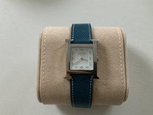 Hermès Montre avec bracelet en cuir bleu fluo métal