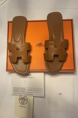 Hermès Sandały outdoor brązowy