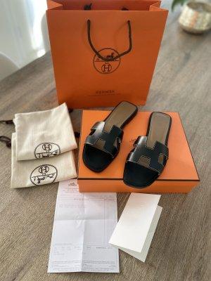 Hermès T-Strap Sandals black leather