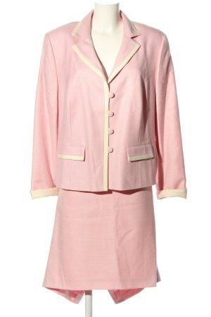 Hero Paris Tailleur rosa elegante