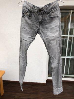 Herrlicher pantalón de cintura baja gris claro