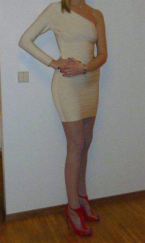 Herve Leger Alinee Alabaster Corozo asymemetrical Kleid - Größe M