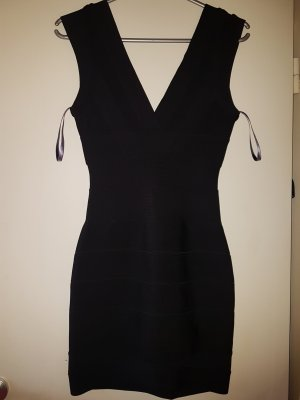Herve Leger bodycon Kleid.