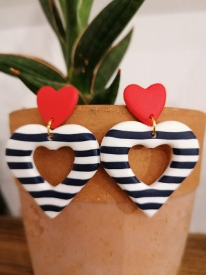 Herz Ohrringe mit Streifen