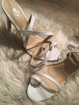 Sandaletto con tacco alto bianco