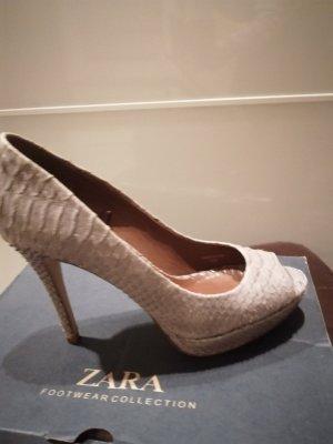 High heel in Snakeoptik von Zara