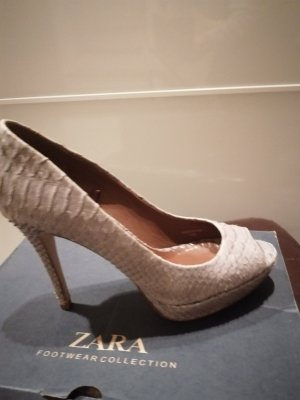 High heel in Snakeoptik von Zara
