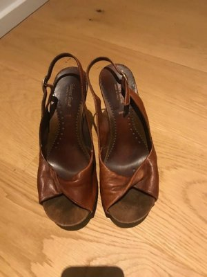 Sandalias con plataforma marrón