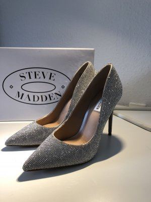 Steve Madden Pointed Toe Pumps silver-colored