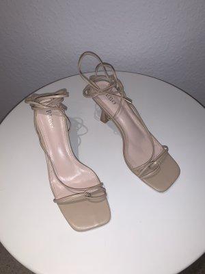 High Heel Sandaletten in beige