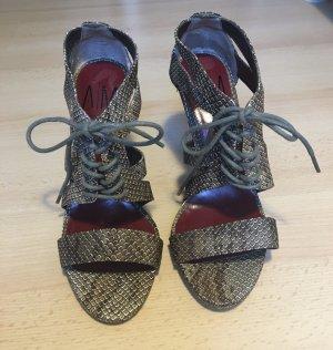 High Heel Sandaletten in Schlangenoptik