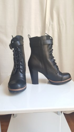 High Heel Stiefeletten - black