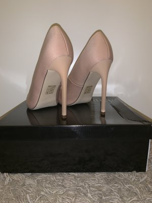 Miss Moda High-Front Pumps nude silk