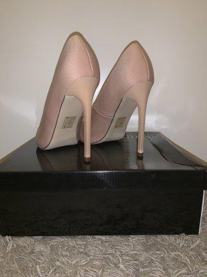 Miss Moda Chaussure à talons carrés rose chair soie