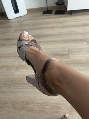High heels aus samt