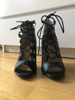 High heels daisy street