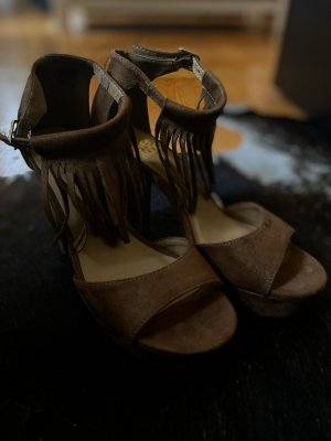 High Heels Even & Odd