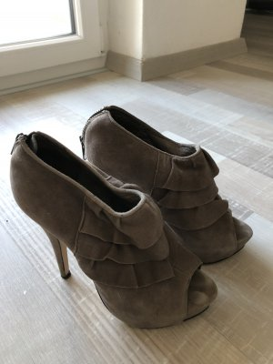 High heels grau
