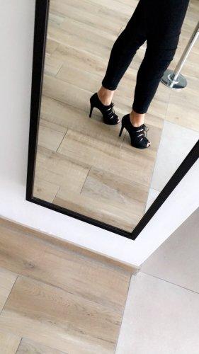 High heels hohe Schuhe schwarz offen