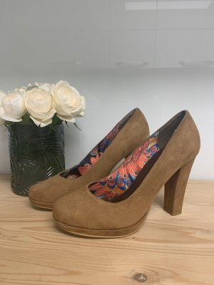 High Heels in braun/cognac