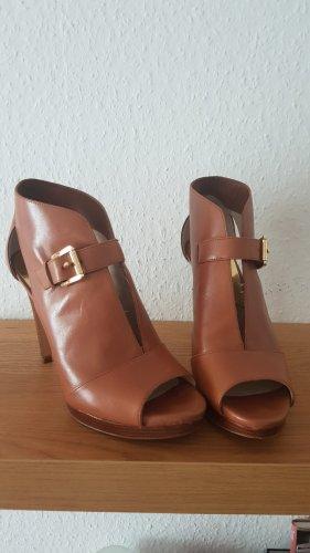 High Heels in Cognac