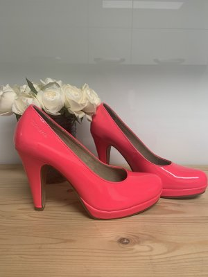 High Heels in pink