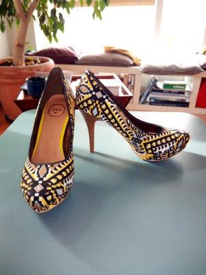 High heels mit ethno Muster
