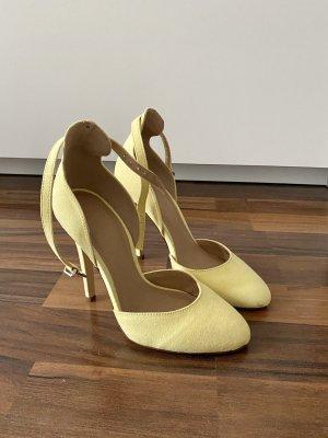 High heels mit Riemchen, hellgelb (Asos)