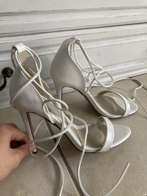 High heels mit Schnürung