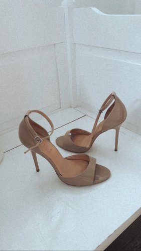 High heels Office London nude