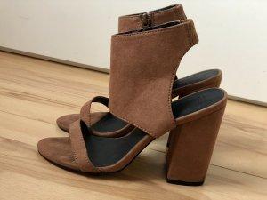 High heels    Riemchen    Gr. 38