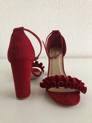 High Heels rot, mit schönem Detail