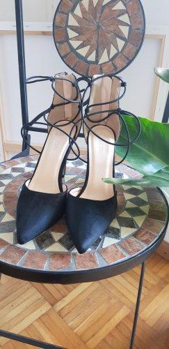 High Heels / Spitzen Pumps / Public Desire