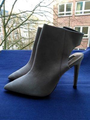 High Heels Stiefeletten von Zara