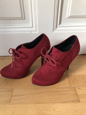 High Heels zum Schnüren in rot